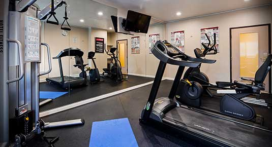 Martinez CA Hotel - fitness center