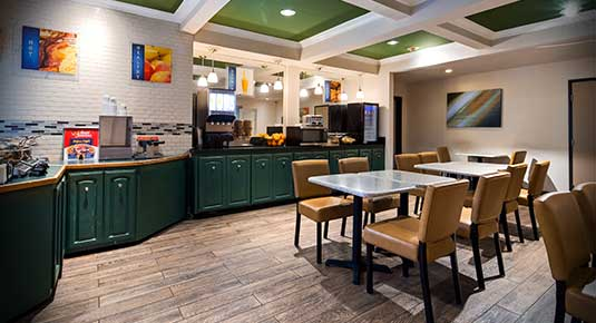 Martinez CA Hotel - free breakfast in the morning in newly renovated dining area