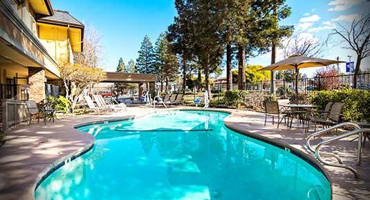 Martinez CA Hotel - outdoor pool