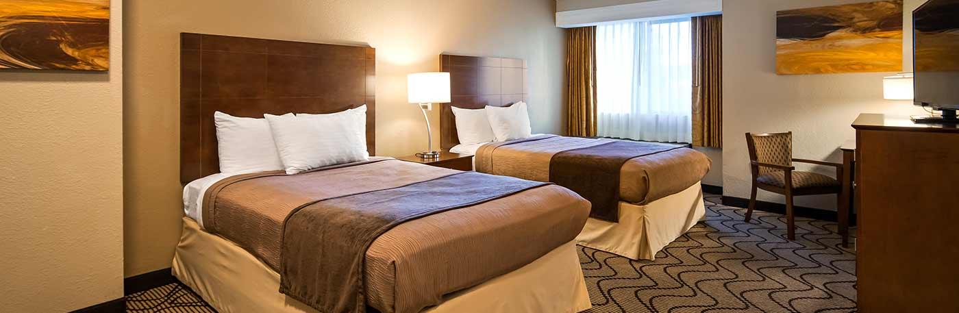 Martinez CA Hotel - Spacious Bedroom