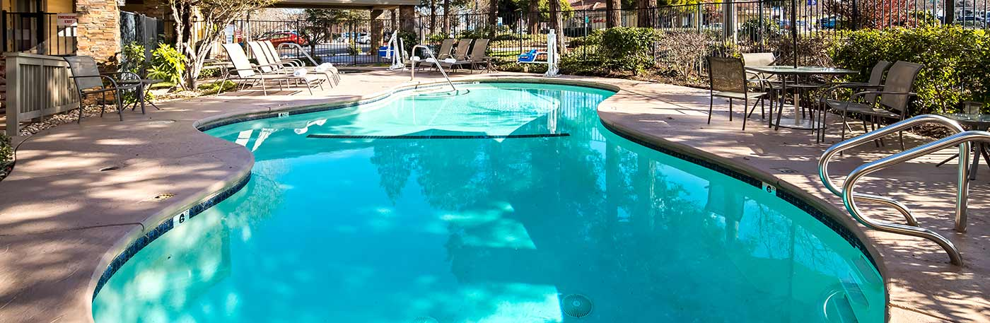 Martinez CA Hotel - Outdoor Pool
