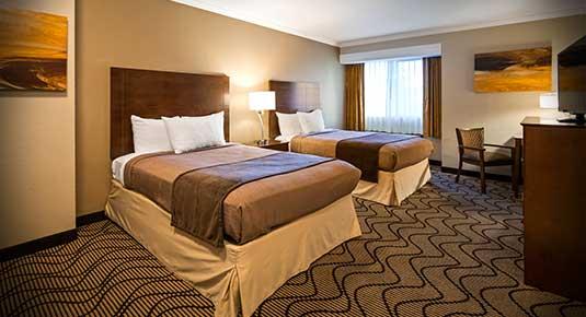 Martinez CA Hotel - two queen beds